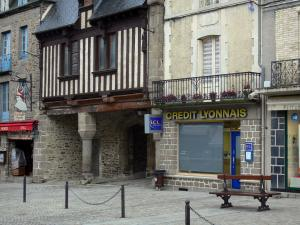 Dol-de-Bretagne - Old houses and shops in the Grande-Rue des Stuarts street