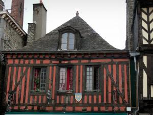 Dol-de-Bretagne - Old half-timbered house