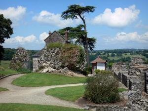Domfront - Garden of the castle overlooking the surrounding landscape; in the Normandie-Maine Regional Nature Park