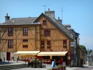 Domfront - Half-timbered house overlooking the Place Saint-Julien square