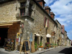 Domme - Houses and display of a shop in the fortified town, in the Dordogne valley, in Périgord
