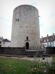 Dourdan - Keep of the feudal castle