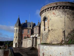 Dreux - Buildings of the estate of the royal chapel