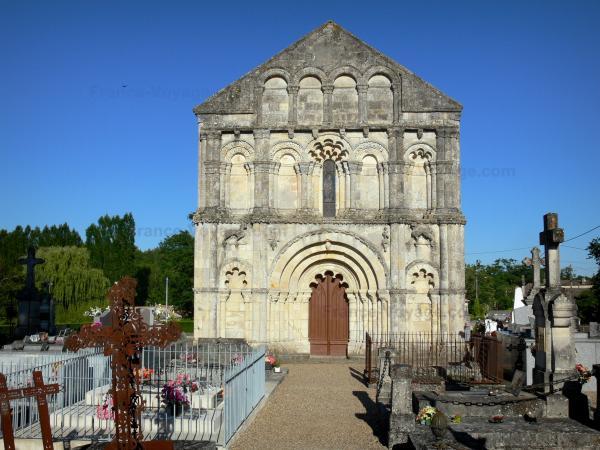 L'église Saint-Pierre de Petit-Palais-et-Cornemps - Guide tourisme, vacances & week-end en Gironde