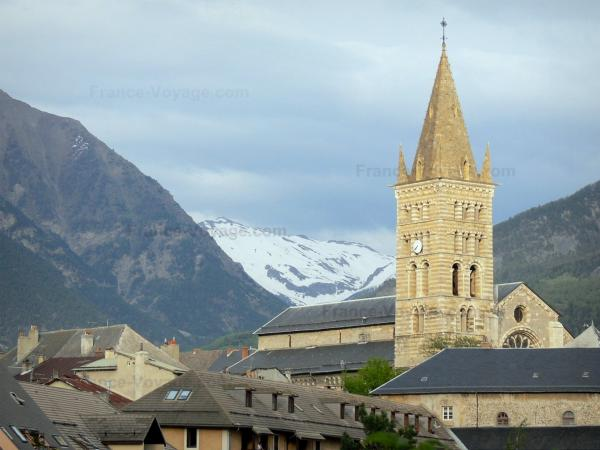 Embrun - Tourism, holidays & weekends guide in the Hautes-Alpes