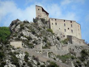 Entrevaux - Citadel and fortified ramp (fortifications)