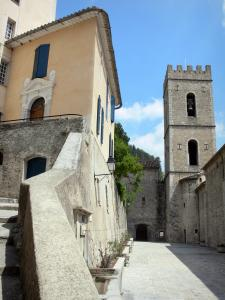 Entrevaux - Church with crenellations of the Notre-Dame-de-l'Assomption cathedral and houses of the medieval village