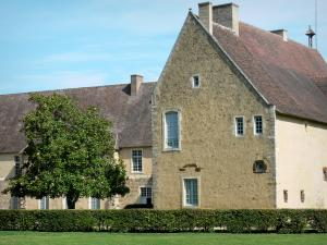 L'Épau abbey - Old Cistercian abbey of La Piété-Dieu, in Yvré-l'Évêque: convent buildings