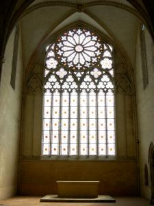 L'Épau abbey - Old Cistercian abbey of La Piété-Dieu, in Yvré-l'Évêque: inside the abbey church: rosette window of the choir