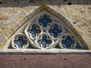 L'Épau abbey - Old Cistercian abbey of La Piété-Dieu, in Yvré-l'Évêque: detail of the abbey church