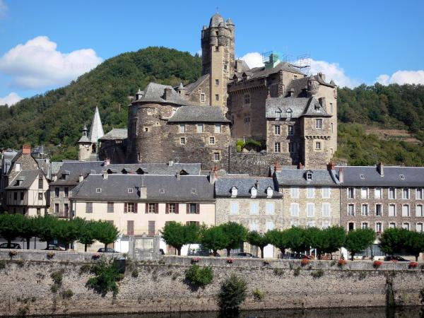 Estaing - Tourism, holidays & weekends guide in the Aveyron