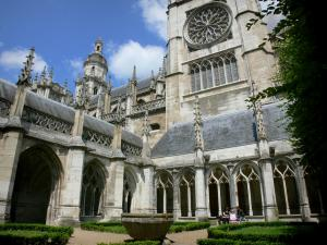 Évreux - Notre-Dame cathedral and Gothic cloister