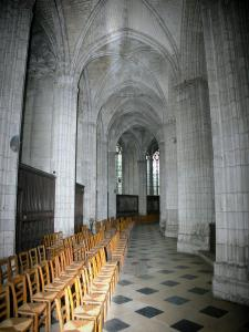Évreux - Inside Notre-Dame cathedral: ambulatory and wood fences of the chapels