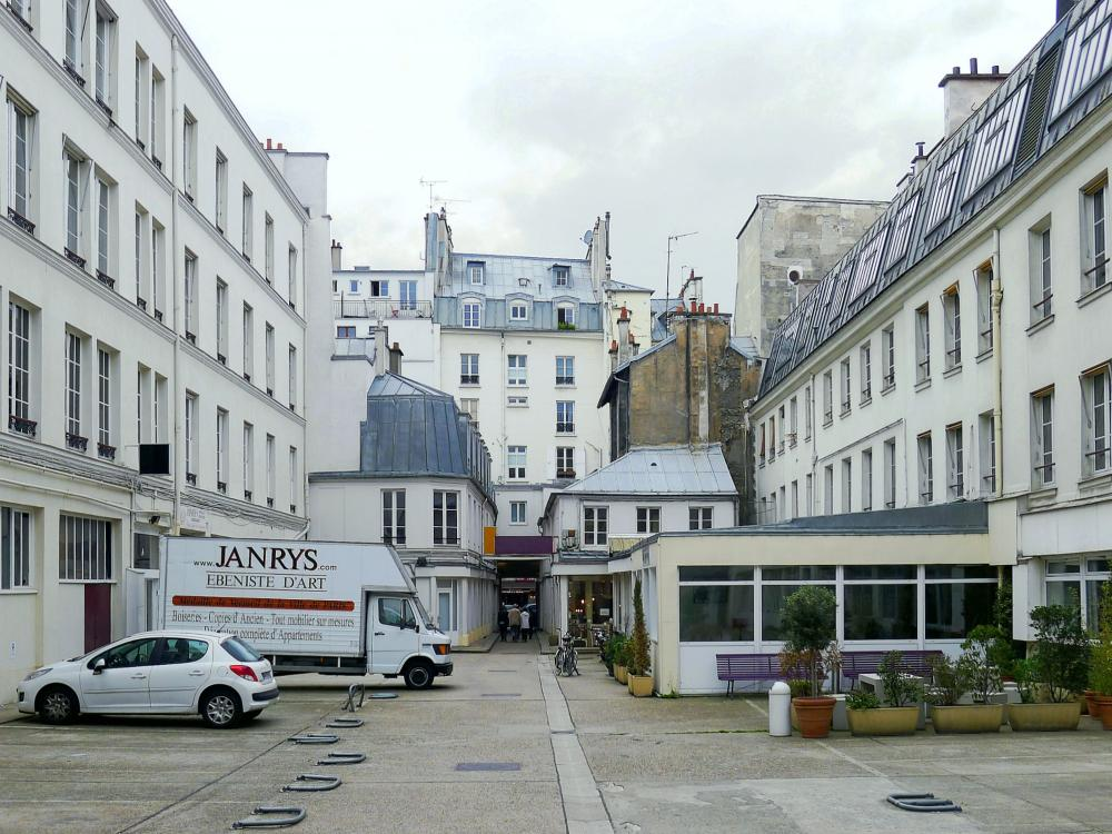 photos le faubourg saint antoine guide tourisme vacances. Black Bedroom Furniture Sets. Home Design Ideas