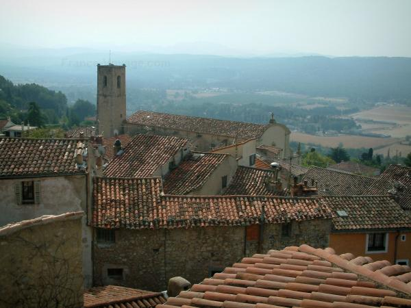Fayence - View of the roofs, the church and the surroundings