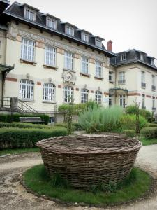 Fayl-Billot - Plants in the garden of the National School of Reed-Growing and Basket-making