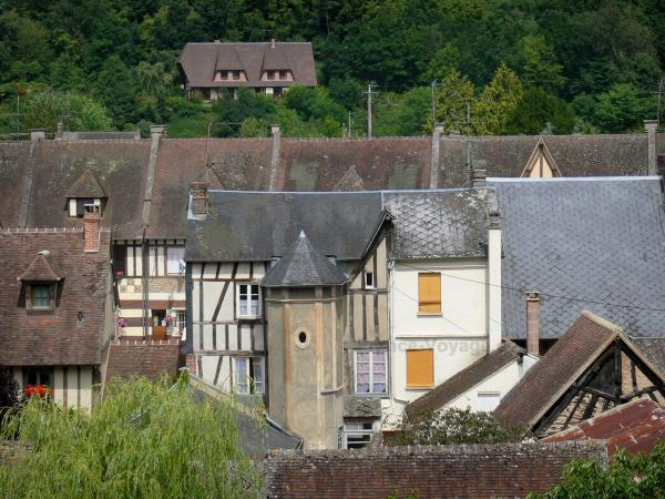 La Ferrière-sur-Risle - View over the roofs of the village