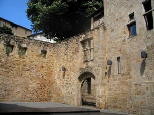 Figeac - Écritures (Writings) square, in the Quercy
