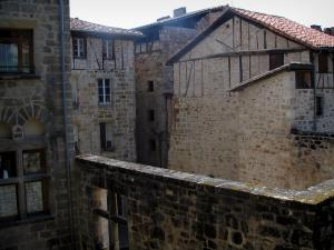 Figeac - Stone houses of the old town, in the Quercy