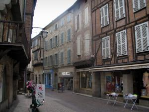 Figeac - Street, shops and houses of the old town, in the Quercy