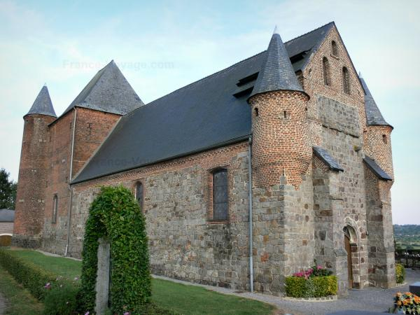 Fortified churches of Thiérache - Englancourt: Saint-Nicolas fortified church, with its watch towers and its keep