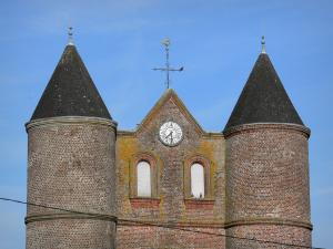 Fortified churches of Thiérache - Monceau-sur-Oise: round towers of the Sainte-Catherine fortified church