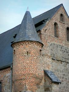Fortified churches of Thiérache - Englancourt: watch tower of the Saint-Nicolas fortified church