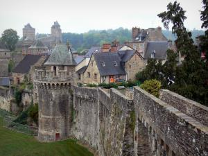 Fougères - Ramparts, towers of the castle and houses of the medieval town