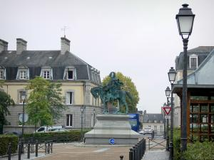 Fougères - Equestrian statue of the Lariboisière square, lampposts, houses and trees