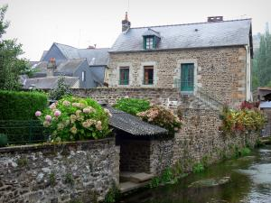 Fougères - Houses by the River Nançon