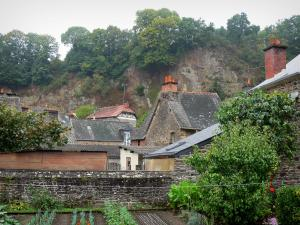 Fougères - Vegetable garden, houses, rock faces and trees