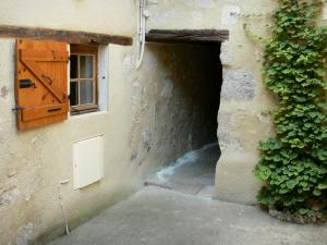 Fourcès - Facade of a house in the fortified village