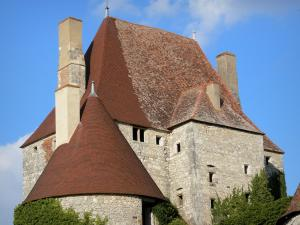Fourchaud castle - Keep and tower of the medieval fortress; in the town of Besson