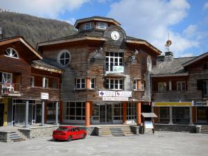 La Foux d'Allos - Chalets and shops of the ski resort of Val d'Allos 1800
