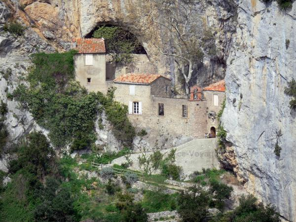 The Galamus gorges - Tourism, holidays & weekends guide in Languedoc-Roussillon