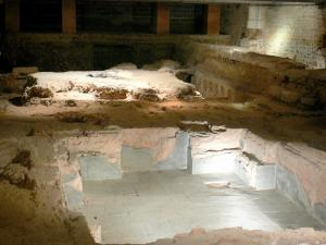 Gallo-Roman town of Jublains - Archaeological site: thermal baths under the present church