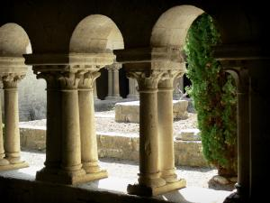 Ganagobie monastery - Romanesque cloister of the Benedictine convent