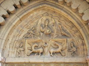 Ganagobie monastery - Portal of the Romanesque church of the Benedictine convent: sculptures of the tympanum