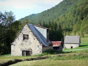 Garbet valley - Barns, meadows and trees; in the Ariège Pyrenees Regional Nature Park, in Le Couserans area