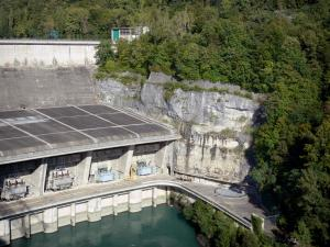 Génissiat dam - Dam on River Rhône; in the towns of Injoux Génissiat and Franclens