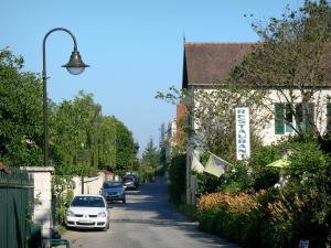 Giverny - Street in the village