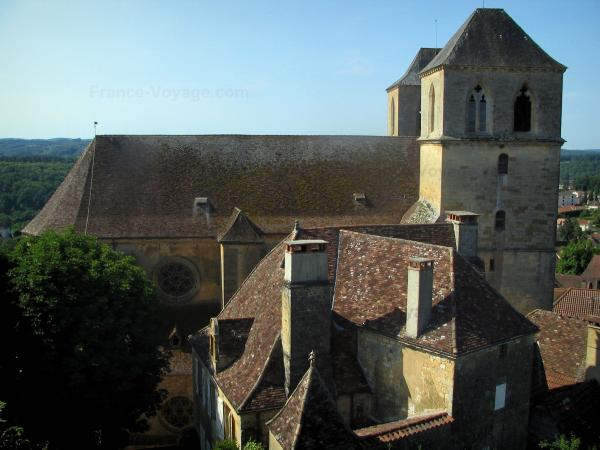 Gourdon - Tourism, holidays & weekends guide in the Lot