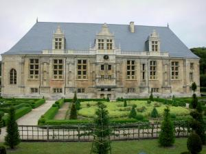 Grand Jardin castle - Renaissance castle and its garden; in the town of Joinville