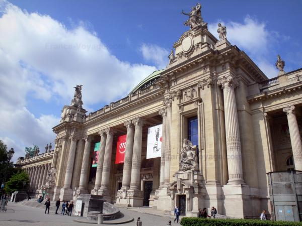 the grand palais national galleries tourism holiday guide. Black Bedroom Furniture Sets. Home Design Ideas