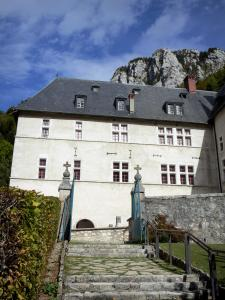 Grande Chartreuse monastery - Correrie of the Grande Chartreuse: stairs and monastic building