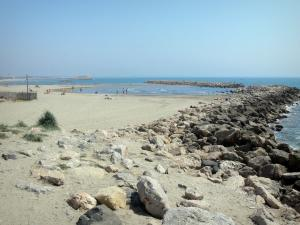 La Grande-Motte - Breakwater (cliffs), sandy beach of the seaside resort and the Mediterranean Sea