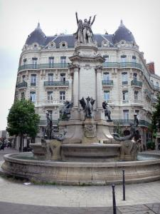 Grenoble - Place Notre-Dame square: Trois Ordres fountain and building