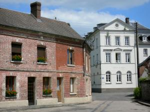Harcourt - Facades of houses in the village