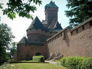 Haut-Koenigsbourg castle - Surrounding wall (rampart) of the fortress