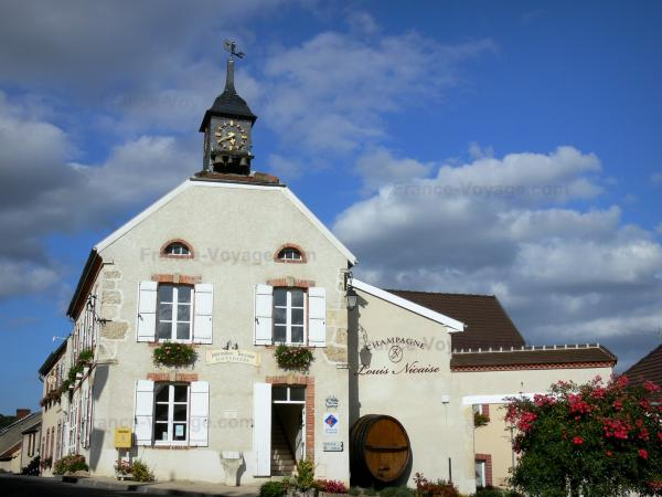 Hautvillers - Tourism, holidays & weekends guide in the Marne